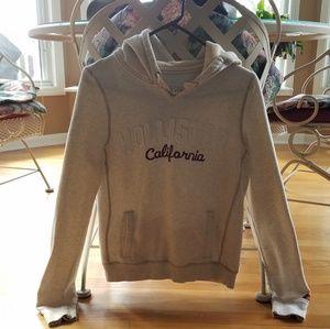 Hollister Cream Colored Hoodie - Large